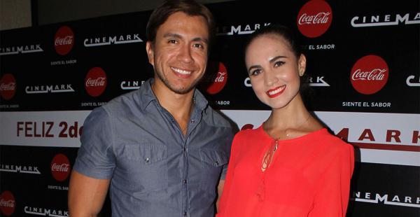Hugo Leigue y Mariela Ribera, en una premier en Cinemark