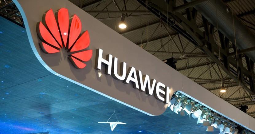 huawei stand 830x436 Filtradas las imágenes del nuevo Huawei P9