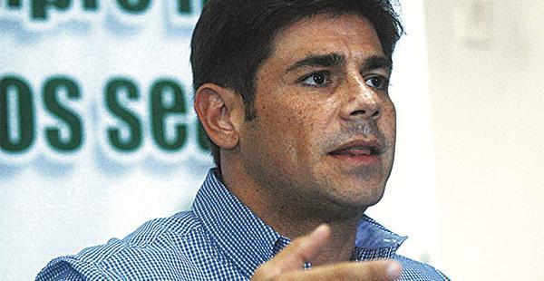 El senador Carlos Pablo Klinsky pide aplicar más licitaciones