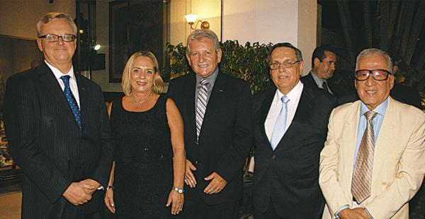/PERSONALIDADES. Michel Dewez (Embajador De Bélgica), Ivonne Tardío De Saavedra, Rubén Costas (Gob. De Santa Cruz), Luis Saavedra (Cónsul Honorario De Bélgica) Y Marcelo Araúz