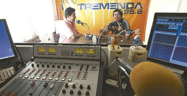 el proyecto fue presentado el gobierno debe decir si acepta o no el pedido de los radialistas Se estima que hasta final de este año caducarán las licencias de unas 22 radios urbanas