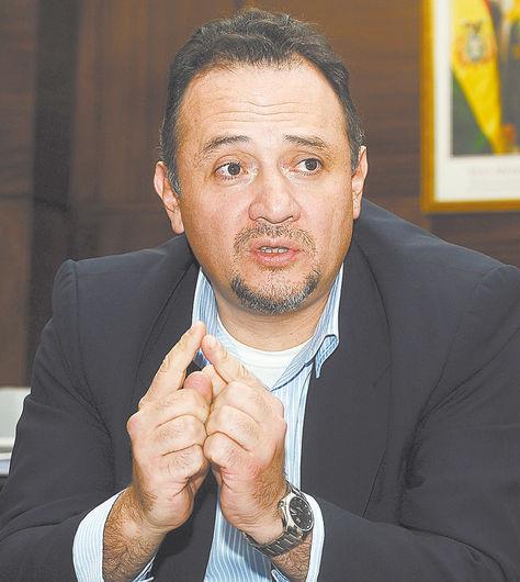 El ministro René Orellana.