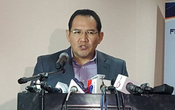 Crecen pedidos de renuncia del fiscal Guerrero; tardó nueve años en reconocer a su hijo