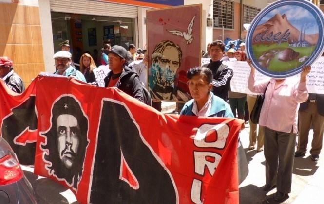 """Organizaciones sociales de Oruro realizaron la caminata """"Lucho Vive"""""""