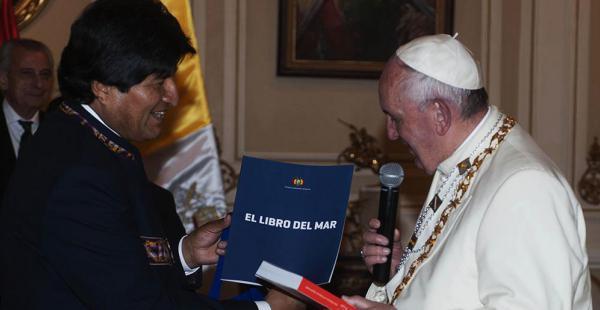 El primer mandatario anticipó que mañana tendrá un nuevo contacto con el Pontífice para hablar sobre la posibilidad de diálogo con Chile.