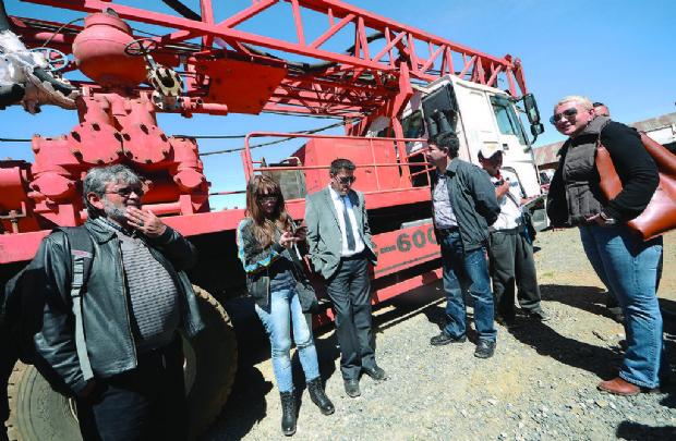 El MAS alista juicio a Patzi porque no usó el camión taladro
