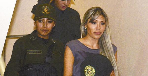 Gabriela Zapata ya no podrá entrevistarse con los medios de prensa