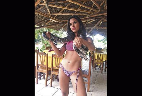 Natalia Vaca Guzmán. Fortalezas | Sincera, chistosa, divertida, espontánea y tiene un rostro bonito. Debilidades | Le falta tamaño, cintura y tonificar. Se 'achicopala' con las cámaras.
