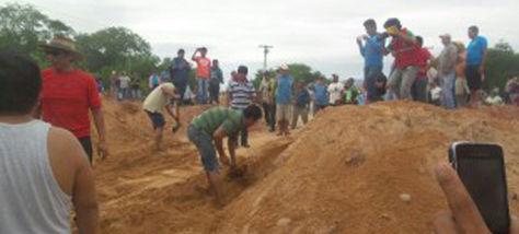 Protestas en Villa Montes provocan el cierre de vías