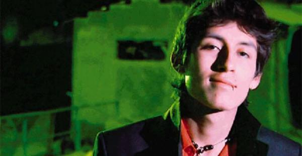 Katriel Hidalgo, el actor de        20 años en una presentación