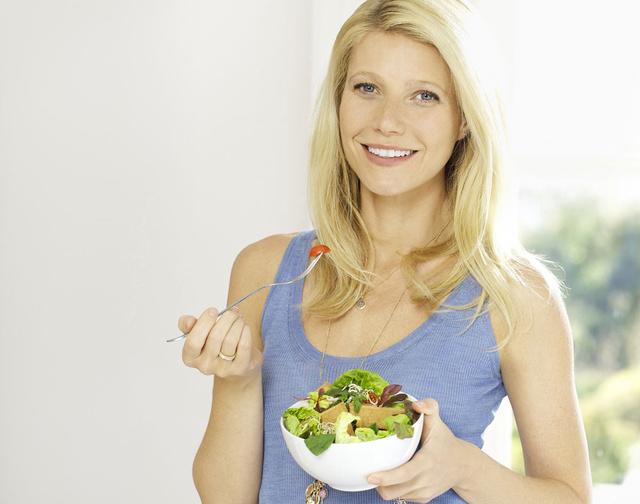 Gwyneth Paltrow, además de ser actriz, anuncia ensaladas.