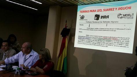 El senador de UD, Arturo Murillo, en declaraciones a los medios. Foto: La Razón