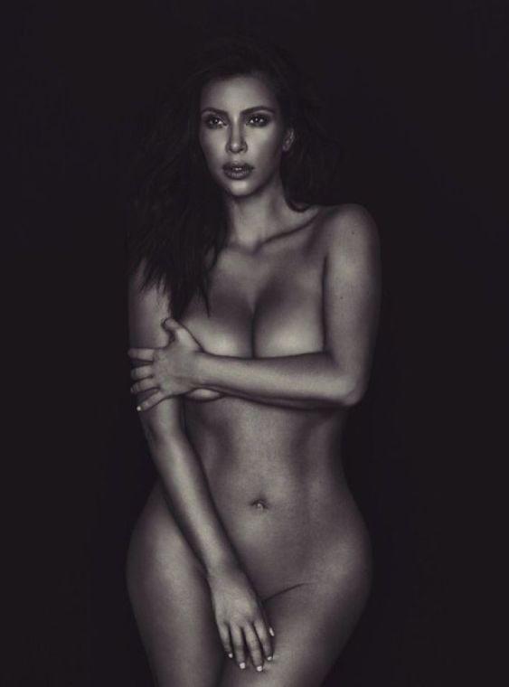 Nuevo desnudo de Kim Kardashian en Twitter.