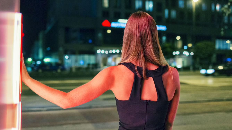 una-madama-de-las-vegas-explica-por-que-los-hombres-recurren-a-la-prostitucion