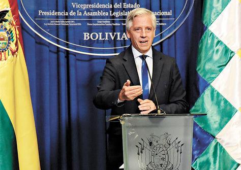 Autoridad. El vicepresidente García habla en la conferencia de ayer.