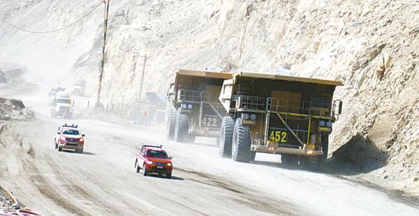 Unas 40 empresas mineras chilenas trabajan con aguas del Silala