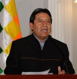 """Canciller pide a sacerdotes Albó y Bacardit """"no dar comida"""" a los que no están con el proceso de cambio"""
