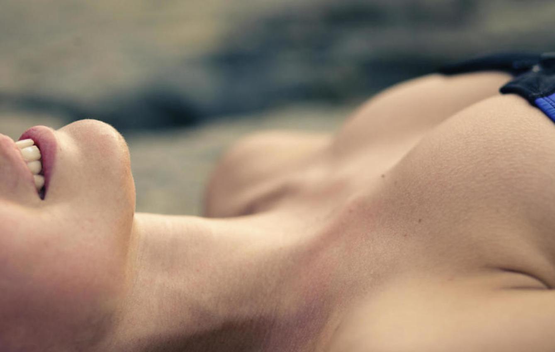 Sus pechos aumentan de tamaño y sus pezones tienen erecciones de hasta un centímetro. (iStock)