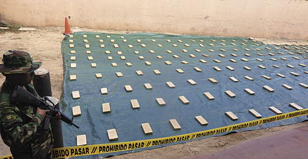 La marihuana decomisada. Narcos paraguayos cambian marihuana por cocaína con sus pares bolivianos