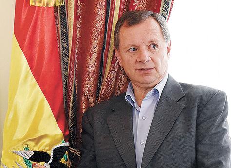 José Alberto Gonzales, presidente de la cámara de Senadores.