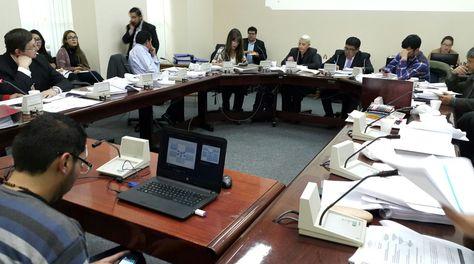 La Comisión Multipartidaria analiza el caso de YPFB con CAMC. Foto: Ángel Guarachi