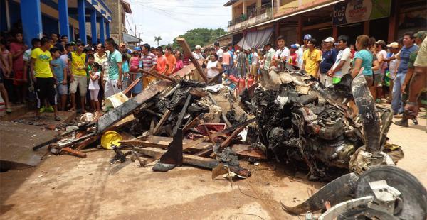 El domingo 13 de marzo la nave cayó en el mercado del pueblo