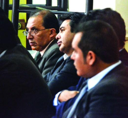 Hallan credenciales originales de exfiscales en bufete de Mendoza
