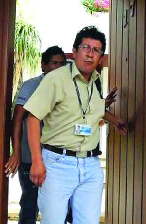 """""""No se sabe cómo Chávez mantenía dos lujosos autos"""""""