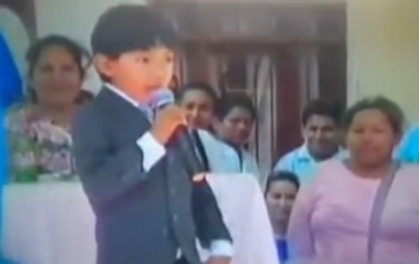 Senador opositor pide procesar a la ministra Paco por uso de niños en spot gubernamental