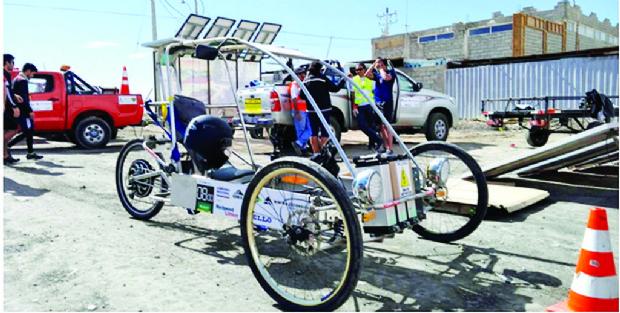 Inti II, el auto híbrido boliviano que venció al desierto de Chile