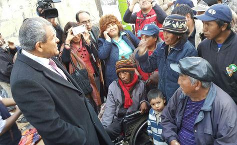 Defensor visita a personas con discapacidad