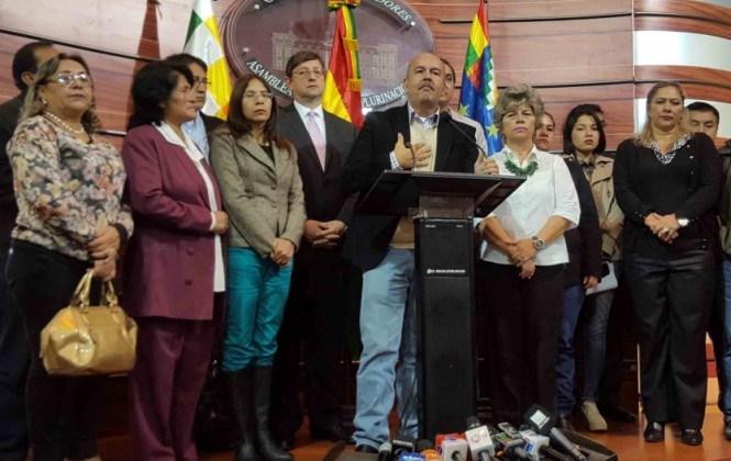 Murillo pide que el Ejército sea procesado por irregular emisión de libretas del servicio militar