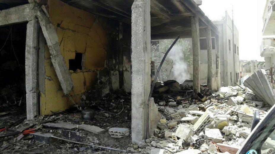 Los adversarios del régimen sirio responsabilizaron al gobierno de Damasco del ataque del jueves, que supone una violación palmaria de las leyes internacionales, señaló la Coalición Nacional Siria, la alianza opositora en el exilio.
