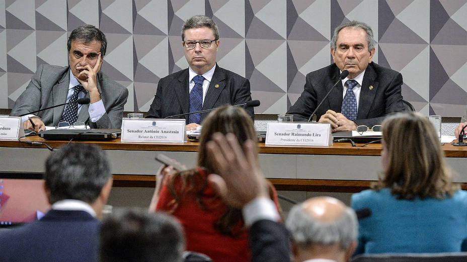 El abogado general del Estado brasileño, José Eduardo Cardozo, habla e defensa de la presidenta Dilma Rousseff. (Cadu Gomes/Efe)