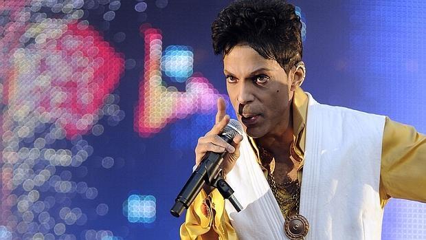 Prince sobre el escenario en 2011