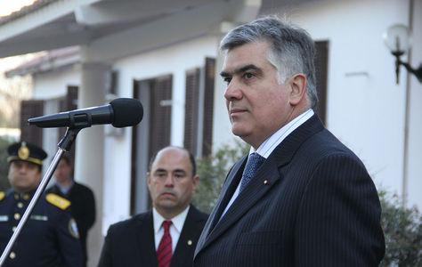 El cónsul Milenko Skoknic Tapia