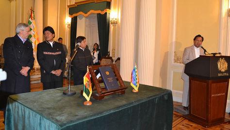 Morales (segundo izquierda) junto al vicepresidente Álvaro García Linera y el canciller David Choquehuanca. A un extremo el exviceministro René Martínez.