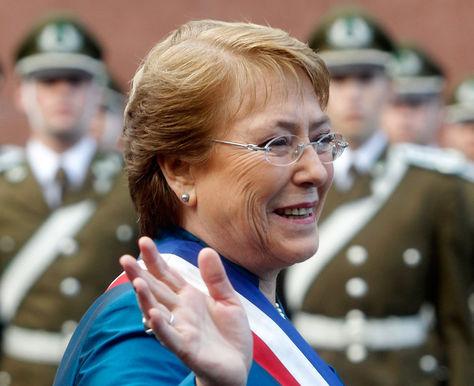 La presidenta Michelle Bachelet, durante un acto cívico en Chile.