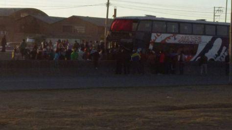 Imágen del choque entre el autobús y la cisterna. Foto: Aleja Cuevas