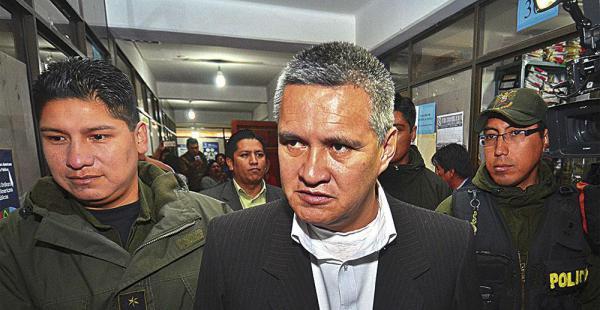 El abogado Eduardo León, exdefensor de Zapata, enfrenta un juicio iniciado por el Ministerio de Defensa