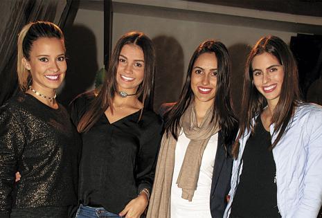 Las excompañeras de pasarela de Ingrid la acompañaron en este tierno día. estuvieron Roxana del Río, Verónica Weise, Tamara Pérez-Rojas y Trini Ghiglia