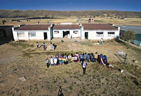 Se necesita de la ayuda de todos Lucinda cree que sin la colaboración del plantel docente de la escuela, de los alumnos y de los padres de familia, no sería posible el cambio.