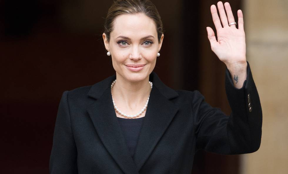 Angelina Jolie, tras haber impartido una charla de violencia sexual en Londres.