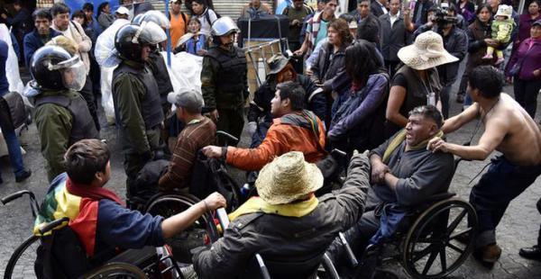 Camilo Bianchi lideró la marcha de discapacitados en 2012 y asesoró a la caravana de este año.