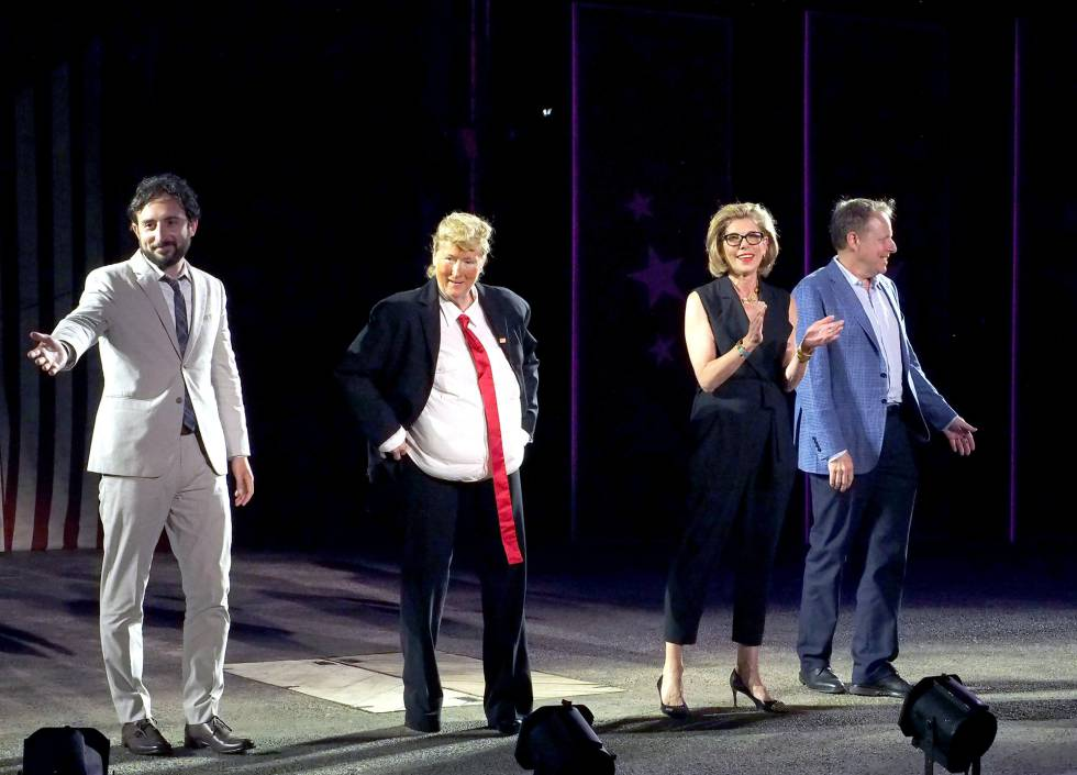 De izquierda a derecha: Jeremy McCarter, Meryl Streep, Christine Baranski y Jim Shapiro.