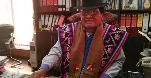 El magistrado Efren Choque reclama mayor participación de los indígenas.