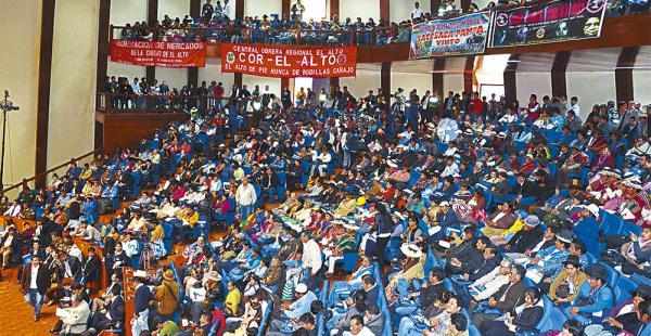 De los 1.521 delegados que participaron, con credenciales,1.114 eran de entidades sociales