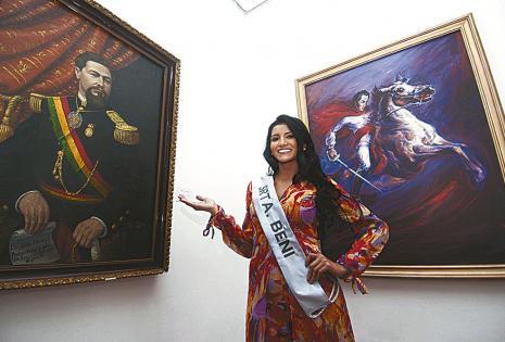 Jhomira Rocha admiró los cuadros históricos
