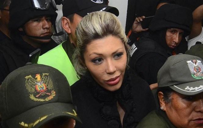 Ministerio de Gobierno revela que Cynthia Perou visitó en 7 ocasiones a Gabriela Zapata en la cárcel