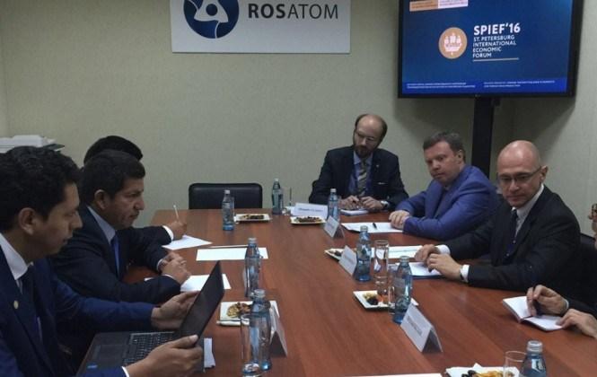 Bolivia y Rosatom acuerdan memorándums para avanzar en el centro nuclear
